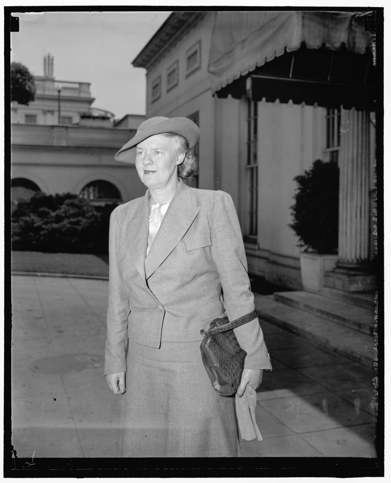 "Dorothy Thompson after a reception with President Roosevelt in front of the White House, May 29, 1940 Journalist Dorothy Thompson begins working as a correspondent in Berlin in 1924. In 1932 she interviews Hitler and in 1934 she is expelled from Germany. Her column in the New York Herald Tribune, ""On the Record,"" and her radio commentary on NBC reach an audience of millions. In 1939, Time Magazine declares her the most influential woman in America after First Lady Eleanor Roosevelt. Harris & Ewing / Library of Congress, Washington, DC, Prints & Photographs Division, LC-H22-D- 9106 [P&P]"