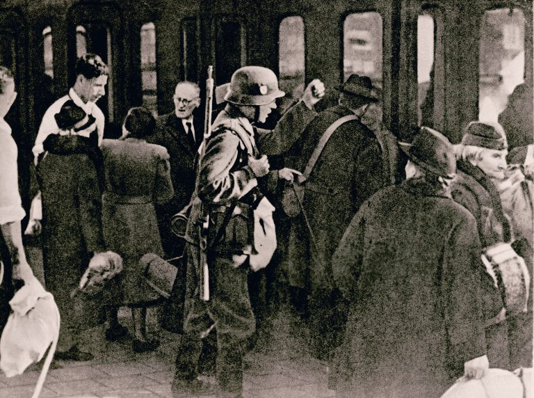 Deportation of Jews of Polish nationality, October 28/29, 1938  After the Polish government announces that it will withdraw the citizenship of Polish Jews living abroad, the German Reich arrests some 17,000 Jewish men, women and children with Polish passports across Reich territory on October 28/29, 1938 and brings them to the Polish border on special trains. About 10,000 of them wander for weeks in the no man's land between the German town of Neu Bentschen and the Polish town of Zbąszynek. American Jewish Joint Distribution Committee, Archives, New York, NY