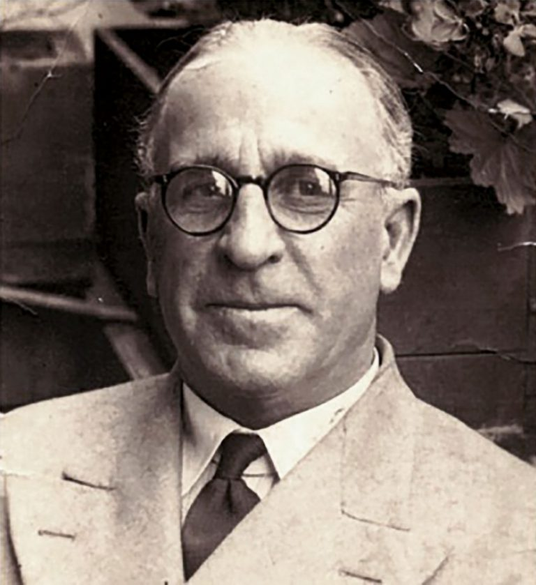 MI6-Agent Frank Foley, ca. 1939 In the 1930s, Foley works as a passport control officer at the British Embassy in Berlin. He uses his position to help 10,000 Jews leave Germany. Acting on his own authority, he not only circumvents the strict British regulations but also forges passports. Foreign & Commonwealth Office, London