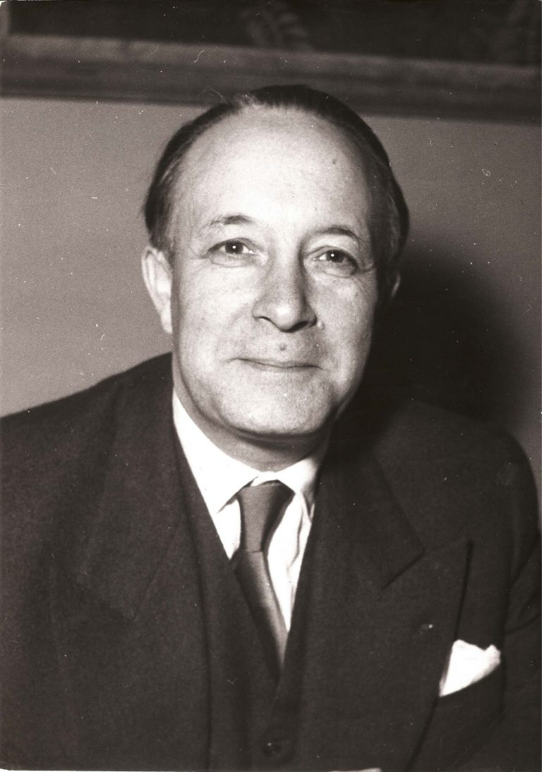 François Seydoux after his appointment as ambassador to Austria, May 5, 1955 Seydoux, who worked in Berlin during the 1930s, represents France in West Germany beginning in 1958. He concludes his long diplomatic career there in 1970, when he is awarded the Charlemagne Prize for his service to Franco-German relations, which includes his instrumental role in crafting the Élysée Treaty. Keystone Pictures USA / Alamy Stock Foto